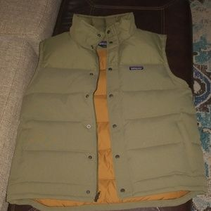 Patagonia men's down-filled vest size large